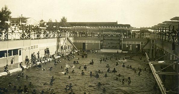 Forest Park Highlands Plaza Pool