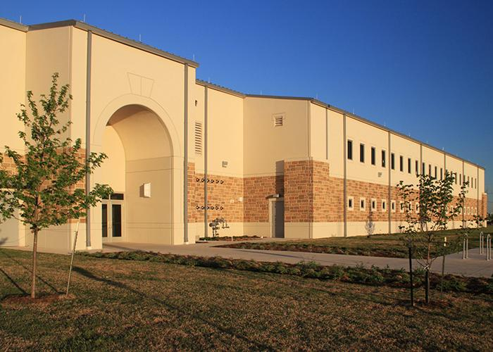Housing construction - Armed Forces Reserve Center Norman, OK architecture